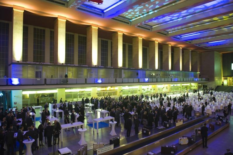 RWE_Supply_Trading_inspiranten_EAGC_Gala_Flughafen_Tempelhof_Abflughalle